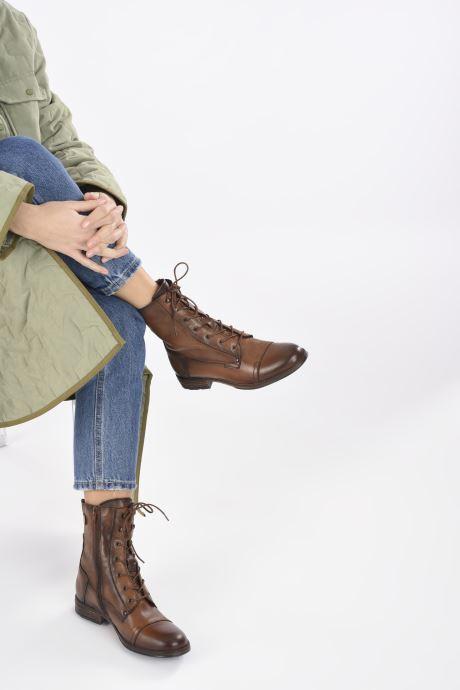 Stiefeletten & Boots Mustang shoes Etel braun ansicht von unten / tasche getragen