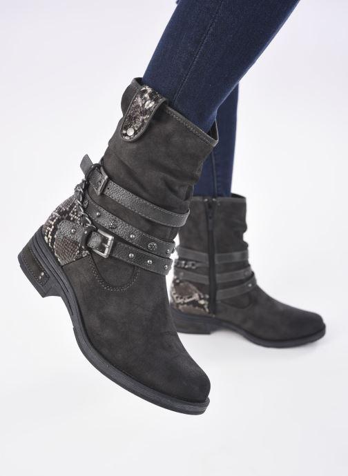 Bottines et boots Mustang shoes Rexi Gris vue bas / vue portée sac