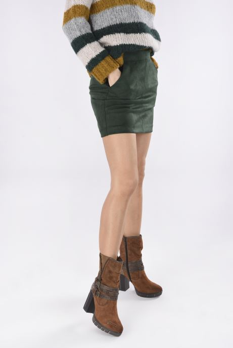 Bottines et boots Mustang shoes Alix Marron vue bas / vue portée sac