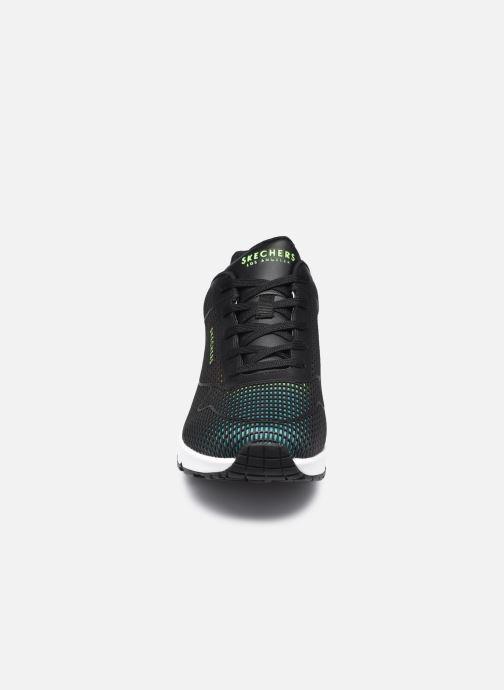 Baskets Skechers UNO W Noir vue portées chaussures