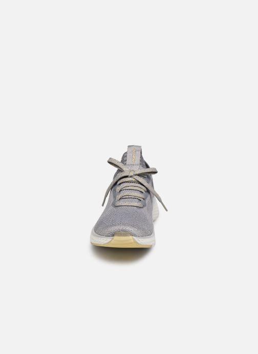 Chaussures de sport Skechers SOLAR FUSE GRAVITY EXPERIENCE W Argent vue portées chaussures
