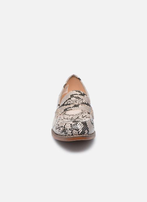 Mocassins Skechers LALA W Beige vue portées chaussures