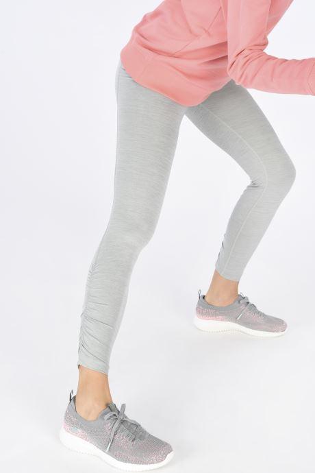 Chaussures de sport Skechers ULTRA FLEX W Gris vue bas / vue portée sac