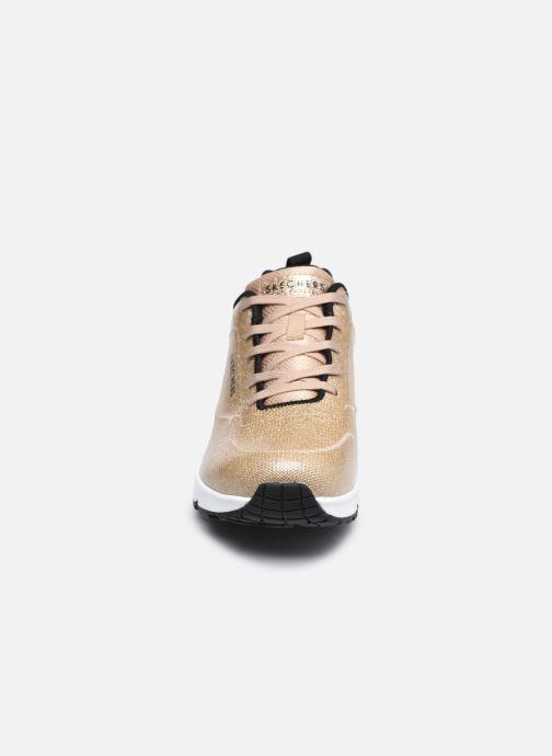 Sneaker Skechers UNO-DIAMOND SHATTER gold/bronze schuhe getragen