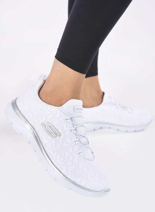 Chaussures de sport Skechers SUMMITS - LEOPARD SPOT Blanc vue bas / vue portée sac