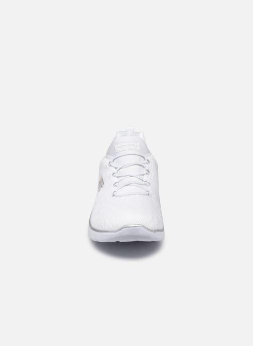 Scarpe sportive Skechers SUMMITS - LEOPARD SPOT Bianco modello indossato