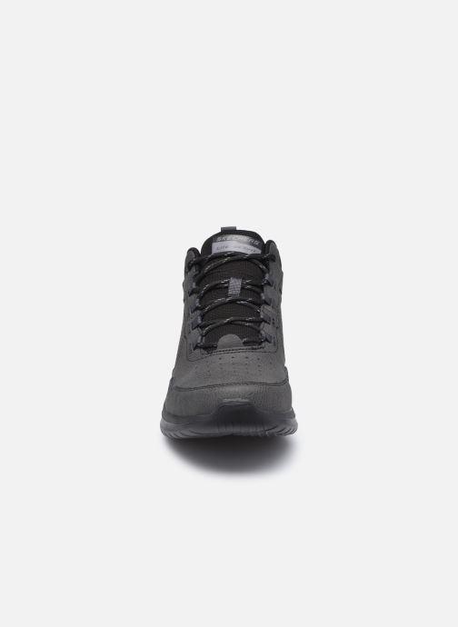Zapatillas de deporte Skechers Ultra Flex 2.0 Alcrest Negro vista del modelo