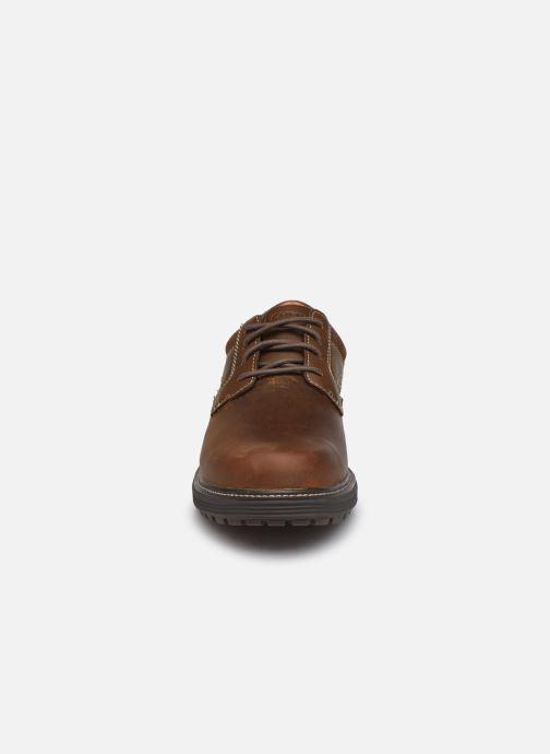 Schnürschuhe Skechers Wenson Montel braun schuhe getragen