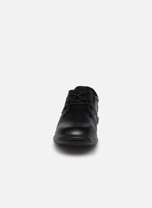 Schnürschuhe Skechers Darlow Pace schwarz schuhe getragen