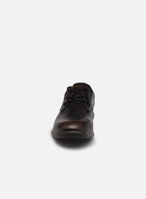 Schnürschuhe Skechers Darlow Pace braun schuhe getragen