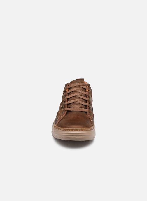 Baskets Skechers MORENO-PENCE Marron vue portées chaussures