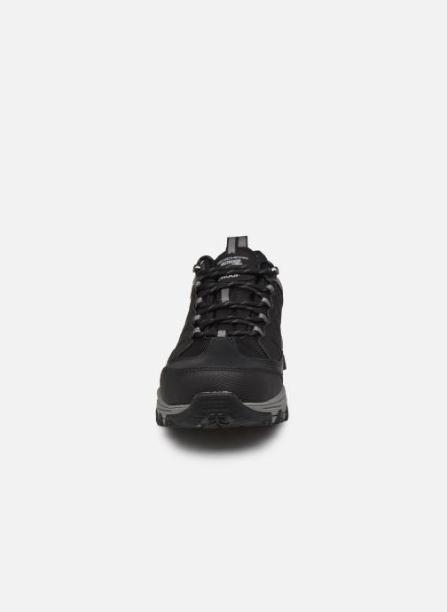 Sneakers Skechers SELMEN-HELSON Nero modello indossato