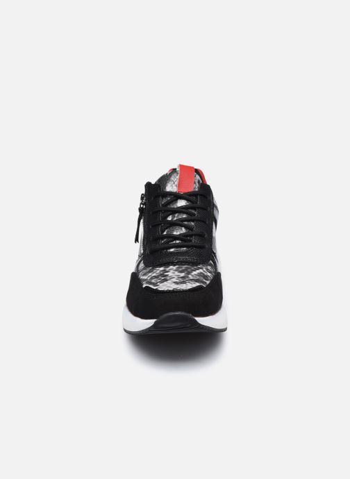 Sneakers I Love Shoes SEAL Nero modello indossato