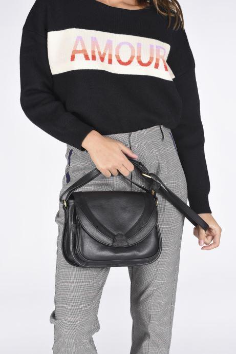 Handtaschen Hexagona DRAGON LEATHER CROSSBODY schwarz ansicht von unten / tasche getragen