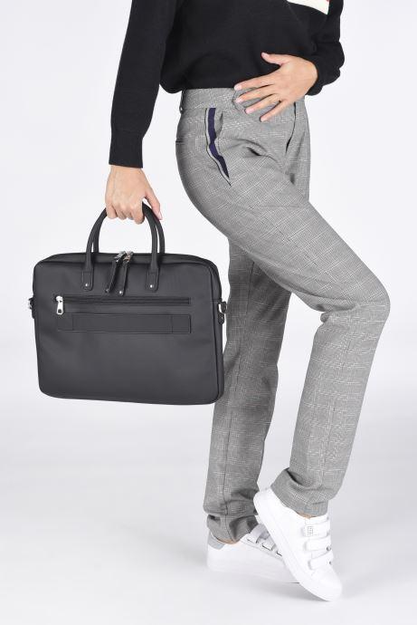 Laptoptaschen Hexagona BUSINESS SLIM 15' A4 schwarz ansicht von unten / tasche getragen