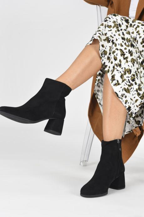 Stiefeletten & Boots Geox D CALINDA MID D04EFA schwarz ansicht von unten / tasche getragen