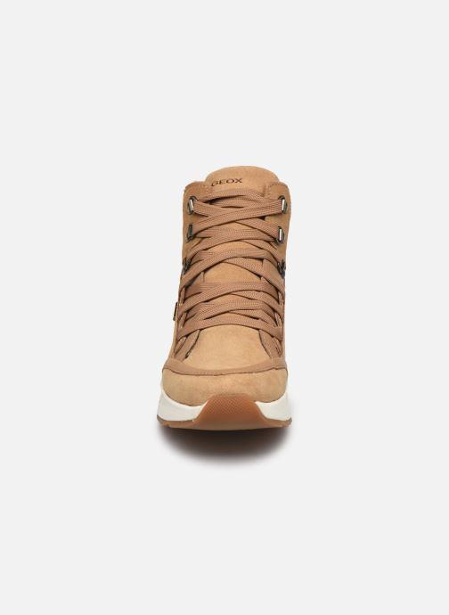 Sneakers Geox D FALENA B ABX Marrone modello indossato