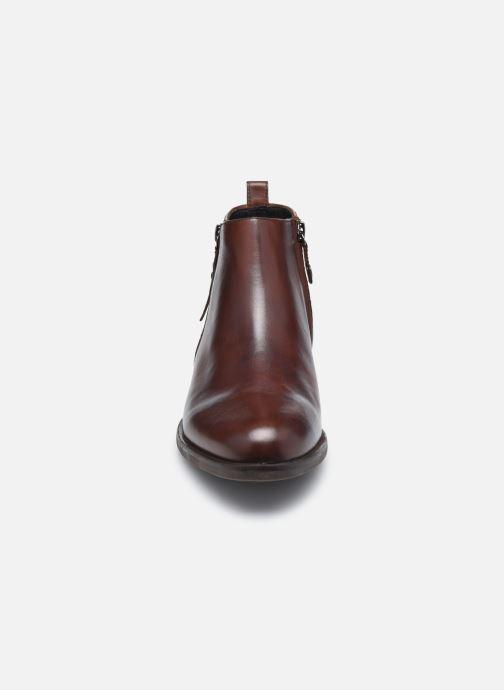 Bottines et boots Geox D RESIA D04LHC Marron vue portées chaussures