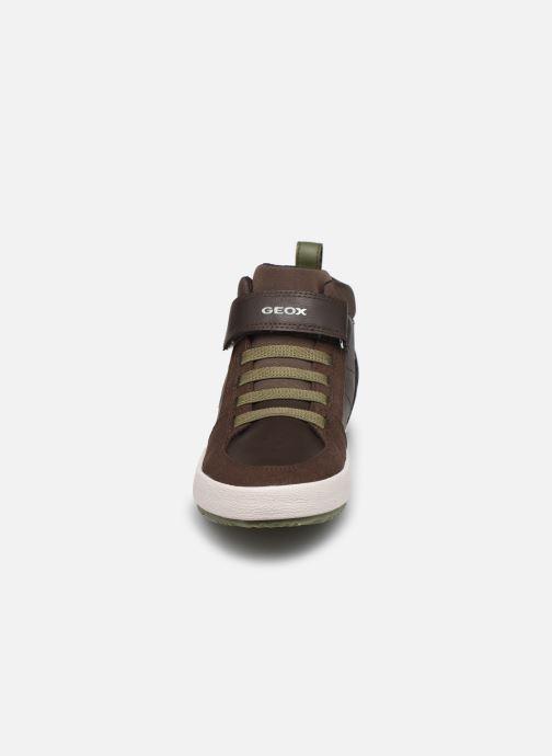 Baskets Geox J Alonisso Boy J042CA Marron vue portées chaussures