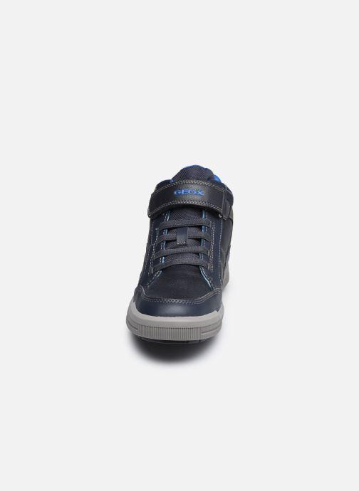 Baskets Geox J Arzach Boy J044AA Bleu vue portées chaussures