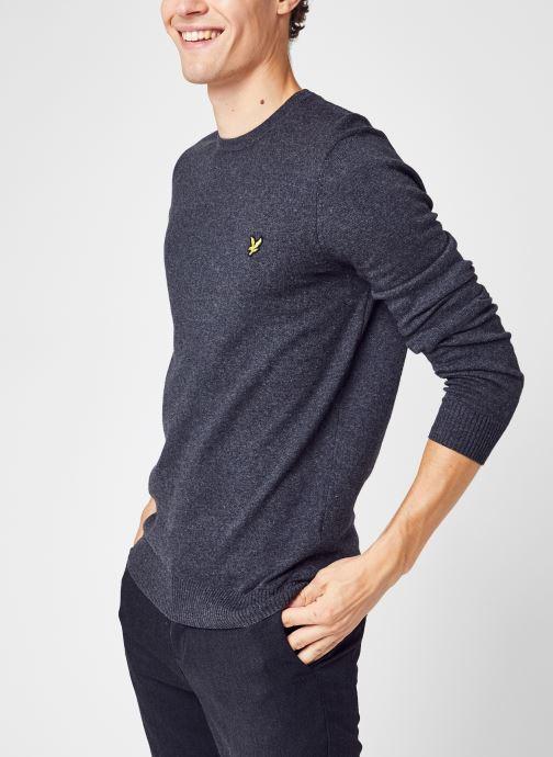 Vêtements Lyle & Scott Crew Neck Cotton Merino Jumper Gris vue détail/paire