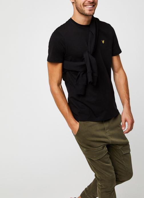 Vêtements Lyle & Scott Plain T-shirt Noir vue détail/paire