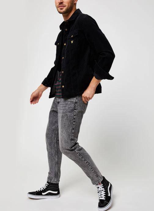 Vêtements Lyle & Scott Jumbo Cord Overshirt Noir vue bas / vue portée sac