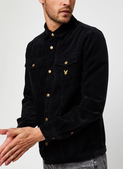 Vêtements Lyle & Scott Jumbo Cord Overshirt Noir vue droite