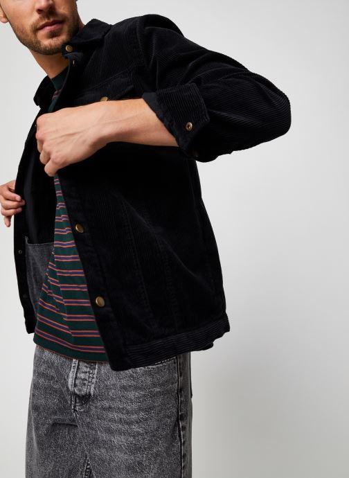 Vêtements Lyle & Scott Jumbo Cord Overshirt Noir vue détail/paire