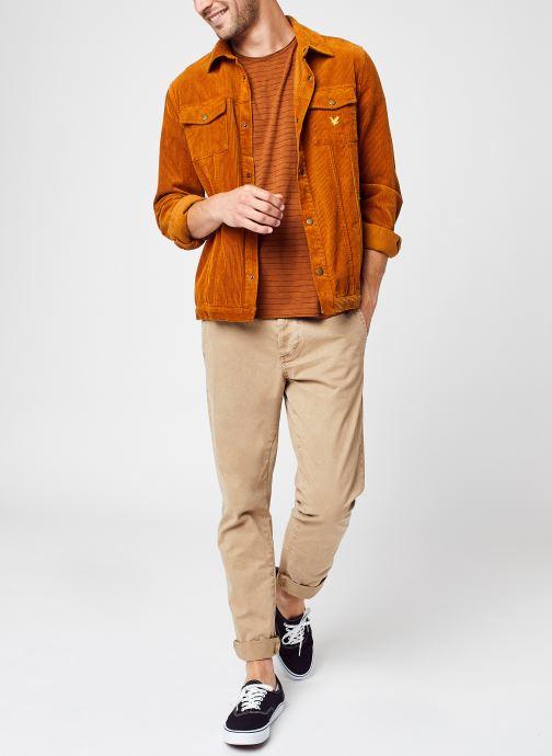 Vêtements Lyle & Scott Jumbo Cord Overshirt Marron vue bas / vue portée sac
