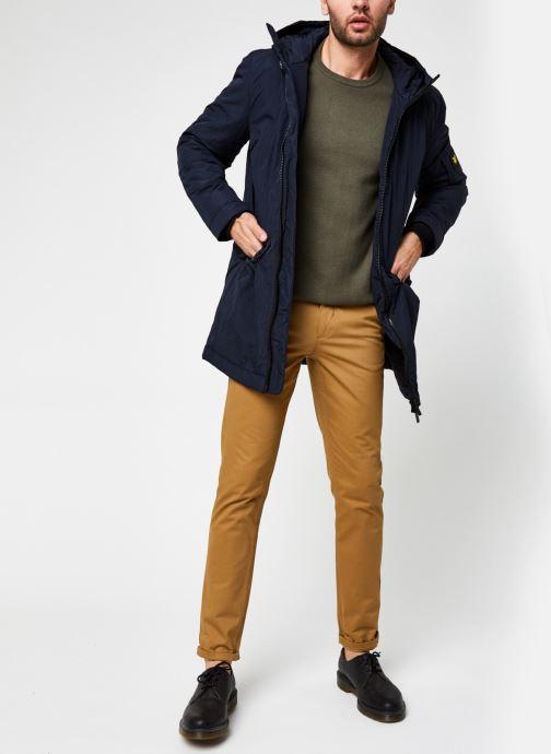 Vêtements Lyle & Scott Wadded Longline Parka Bleu vue bas / vue portée sac