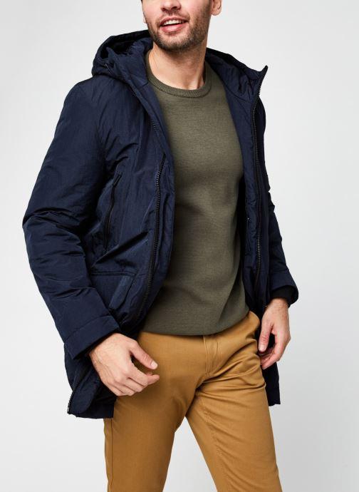 Vêtements Lyle & Scott Wadded Longline Parka Bleu vue détail/paire