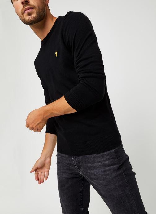 Vêtements Lyle & Scott Crew Neck Cotton Merino Noir vue détail/paire