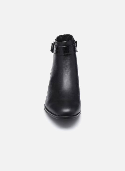 Bottines et boots Clarks Kaylin60 Boot Noir vue portées chaussures