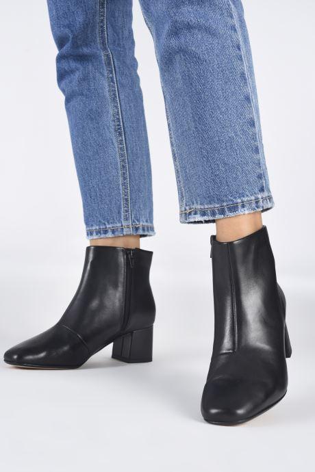 Stiefeletten & Boots Clarks Sheer Flora 2 schwarz ansicht von unten / tasche getragen