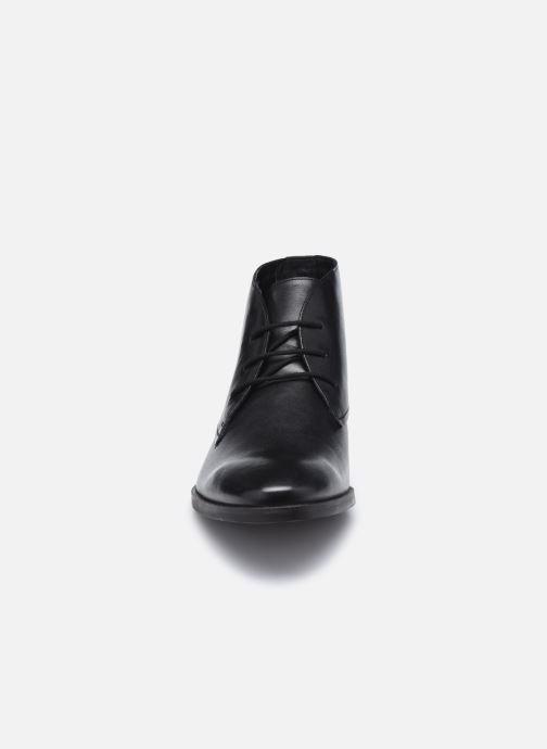 Bottines et boots Clarks Stanford Lo Noir vue portées chaussures