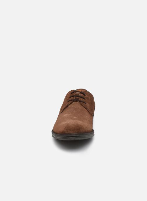 Chaussures à lacets Clarks CitiStrideLace Marron vue portées chaussures