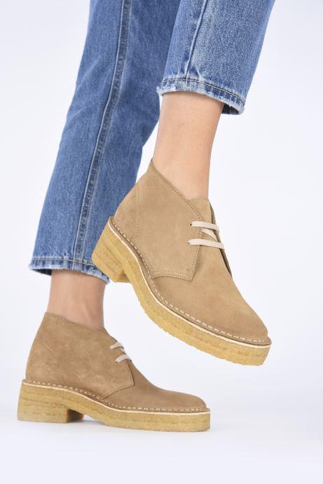 Stiefeletten & Boots Clarks Originals Arisa Desert braun ansicht von unten / tasche getragen