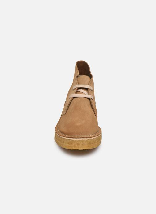 Bottines et boots Clarks Originals Arisa Desert Marron vue portées chaussures