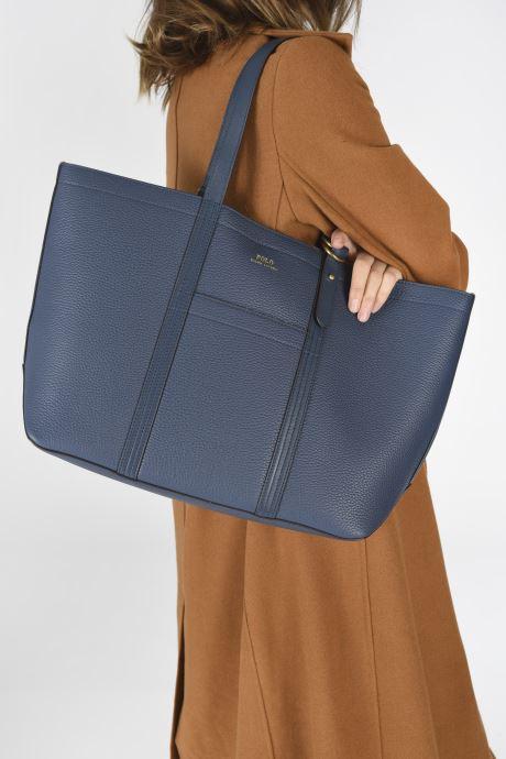 Handtaschen Polo Ralph Lauren CLASSIC TOTE MEDIUM blau ansicht von unten / tasche getragen