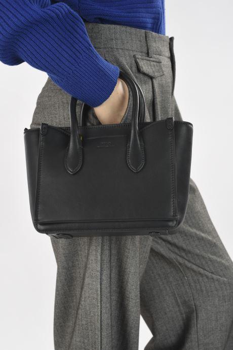 Handtaschen Polo Ralph Lauren MINI SLOANE SATCHEL SMALL schwarz ansicht von unten / tasche getragen