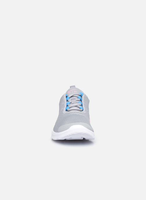 Sneaker Nike Nike Air Max Motion 2 (Gs) grau schuhe getragen