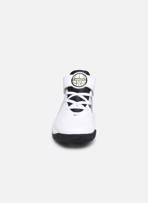 Sportschuhe Nike Team Hustle D 9 (Ps) weiß schuhe getragen