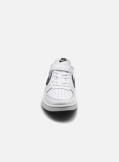 Baskets Nike Nike Court Borough Low 2 (Psv) Blanc vue portées chaussures