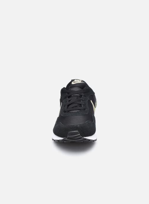 Baskets Nike Nike Md Valiant (Gs) Noir vue portées chaussures