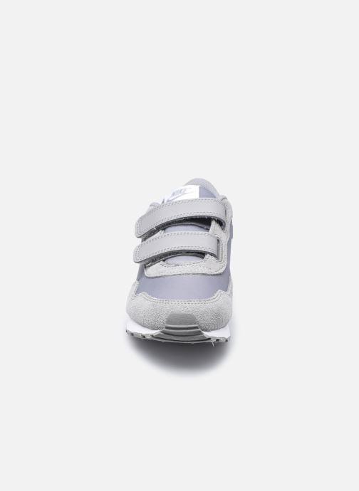 Baskets Nike Nike Md Valiant (Psv) Gris vue portées chaussures