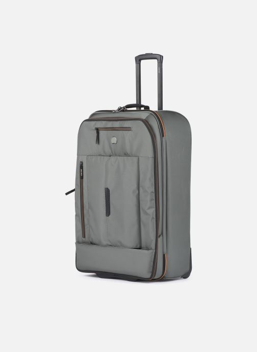 Bagages Delsey Tramontane Val Tr Exp 2R 77 Vert vue portées chaussures
