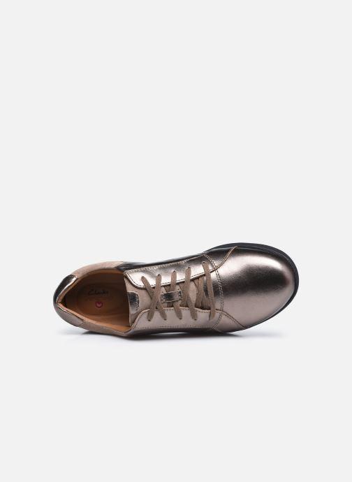 Sneaker Clarks Unstructured Un Adorn Lace Largeur E silber ansicht von links