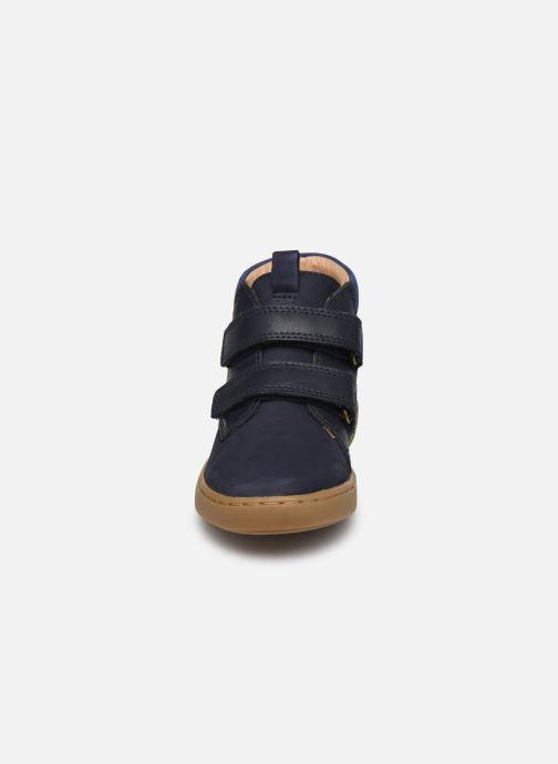 Baskets Shoo Pom Play  Desert Scratch Bleu vue portées chaussures