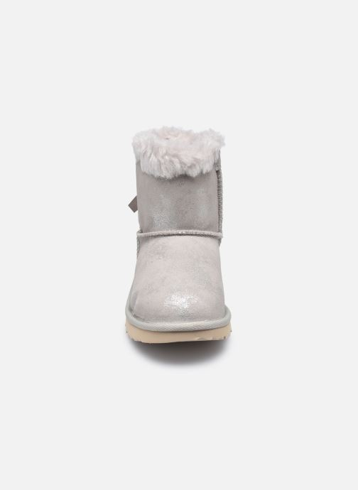 Stiefel UGG Mini Bailey Bow II Shimmer silber schuhe getragen